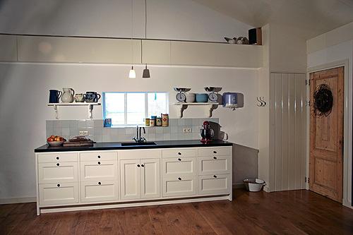Jaren 30 Keuken Nieuw : Dros Houtbewerking – Houten keukens en meubelen op maat – Keukens
