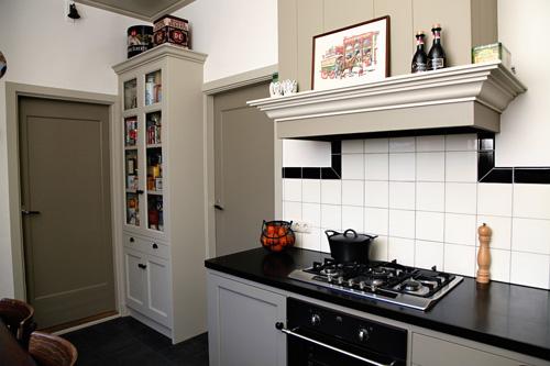 Jaren 30 Keuken Amsterdamse School : Dros Houtbewerking – Houten keukens en meubelen op maat – Keukens